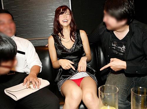 お酒に酔ってらぶホテルセツクスを個人撮影した生々しいお漫湖図鑑